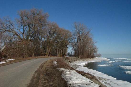 Road along the lakeshore.