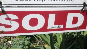 Sold sign.