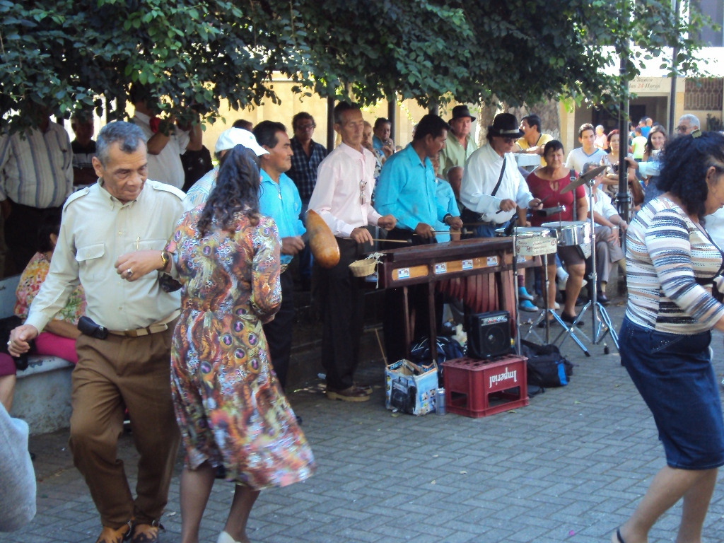 Dancing in Alajuela.