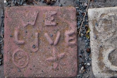 We live tile.