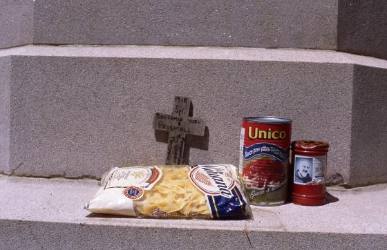 Offering at cenotaph