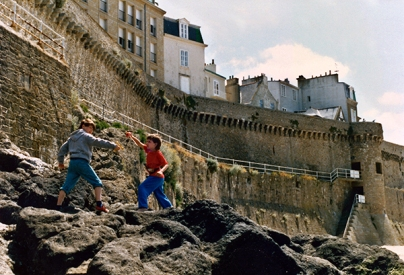 Below the ramparts in Saint-Malo.