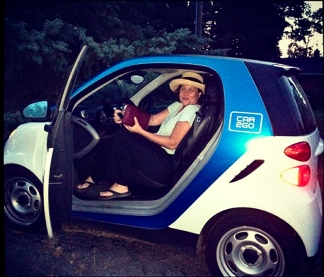 Suzanne in Car2Go.