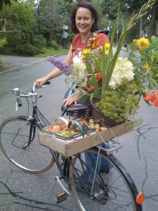 Suzanne on produce-loaded bike.