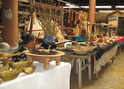 Crafts at Tonganese market.