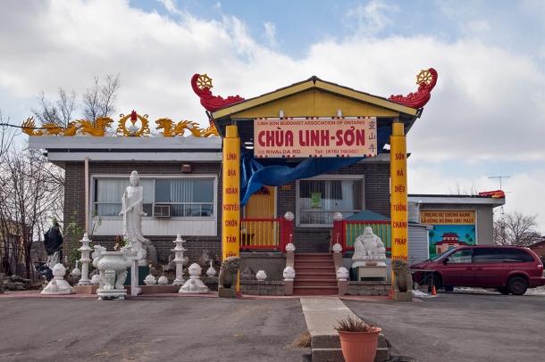 Chua Linh son, 100 Rivalda Rd, Toronto.