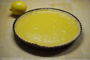 Lemon tart with lemon.
