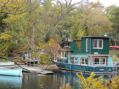 Houseboat.