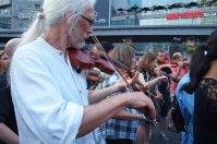 More violins.
