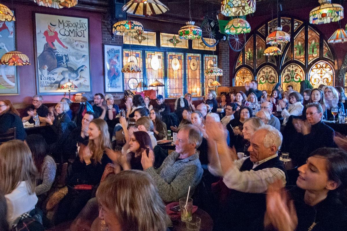 Opera Pub audience.