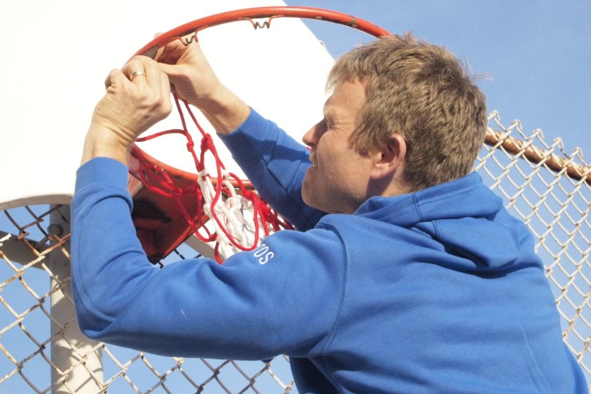 Threading the net.
