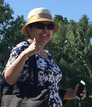 Harmeet gives thumbs up to the beach.
