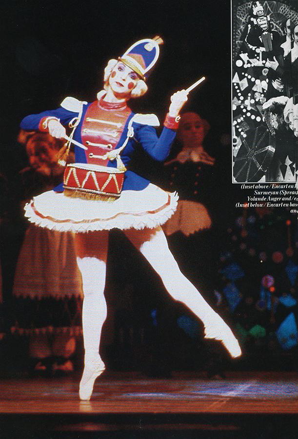 Corps de ballet drummergirl.