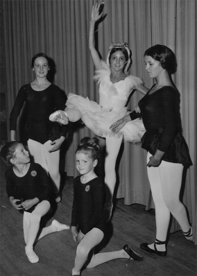 Young Yolanda in Swan Lake.