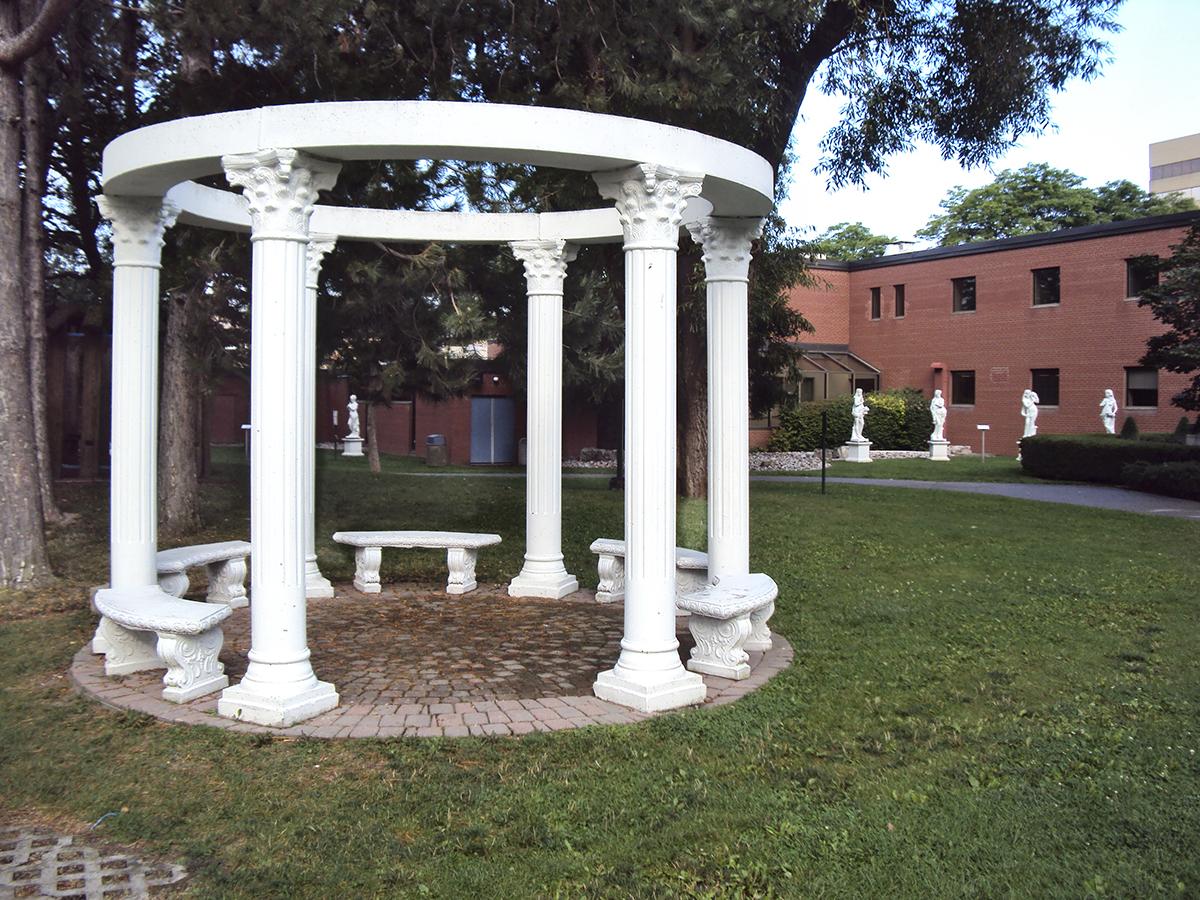 Small rotunda on grounds.