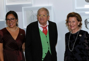 Emma with David Hockney and Queen Sonja.